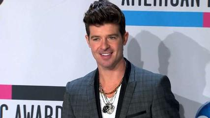 News video: Thicke Continues Effort to Win Back Wife